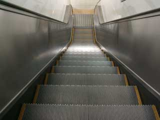 escalator_02.jpg
